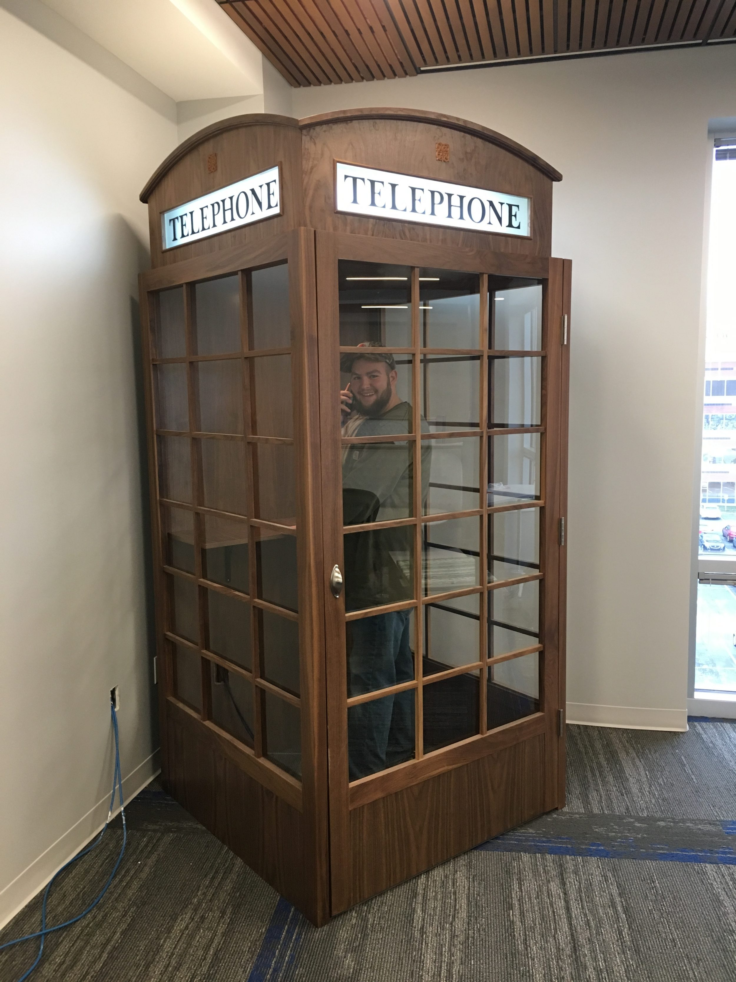 Classic English Style Inspired Phone Booth